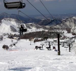 西日本の老舗、大山スキー場