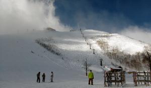 白馬・八方スキー場の最大難度の黒菱コース