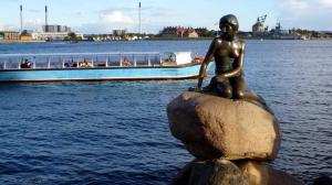 コペンハーゲン港の人魚姫