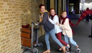 みんな「ハリポタ」になれるロンドン・キングズクロス駅