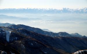 志賀高原横手山2305mからみた立山方面