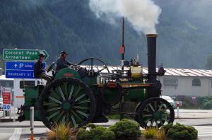 クイーンズタウンの謎の蒸気車